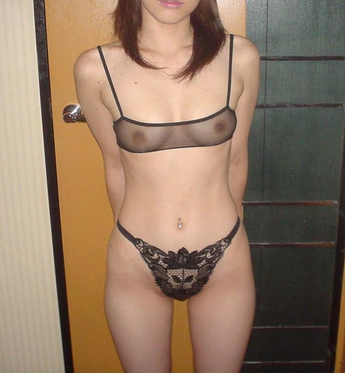【シースルー下着エロ画像】まるで全裸!?スケスケのシースルー下着の女の子! 20