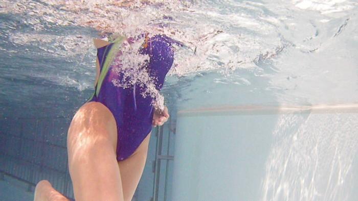 【水中カメラエロ画像】水中に潜らせたカメラが捉えたモノは!?天国!! 02