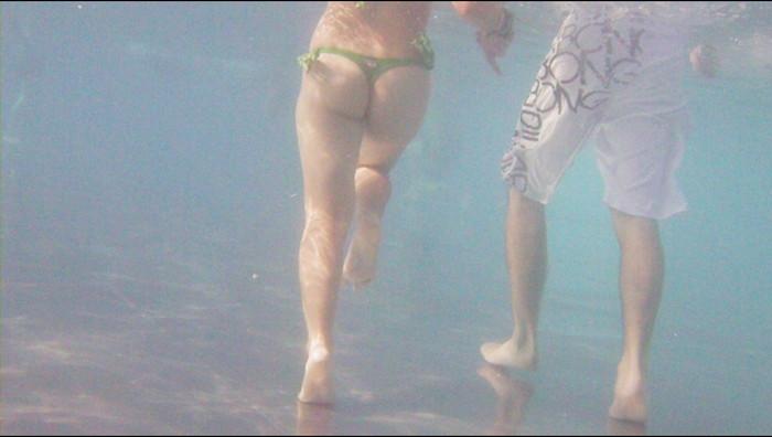 【水中カメラエロ画像】水中に潜らせたカメラが捉えたモノは!?天国!! 03