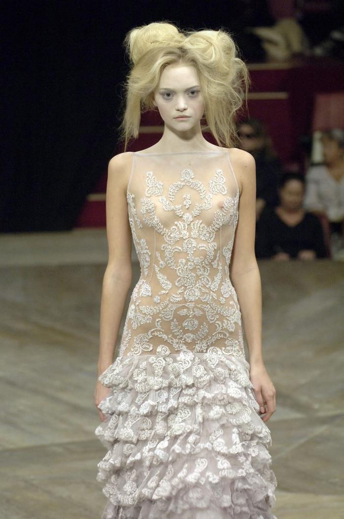 【ファッションショーエロ画像】これストリップじゃなくて、ファッションショーだからな!? 12