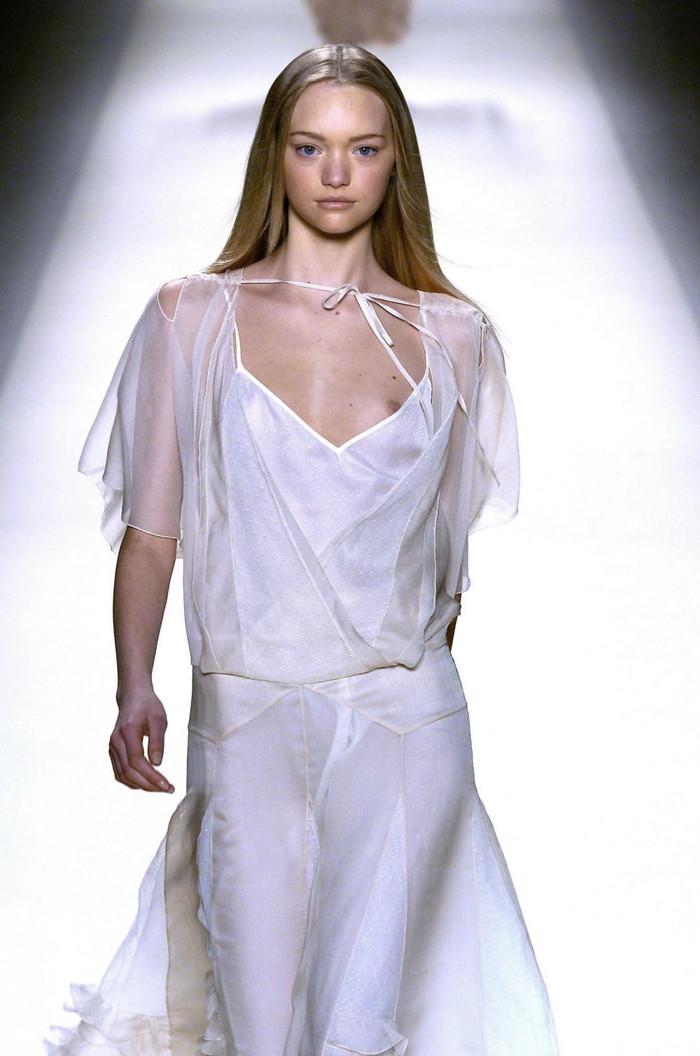 【ファッションショーエロ画像】これストリップじゃなくて、ファッションショーだからな!? 14