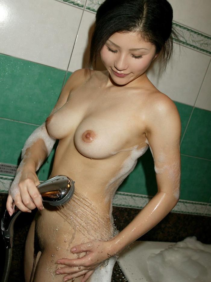 【入浴エロ画像】たまには女の子がお風呂に入ってる画像も見たいよな!? 21