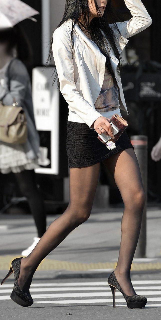【美脚エロ画像】街中で目を引く美脚の女の子の画像集めたったwww 05