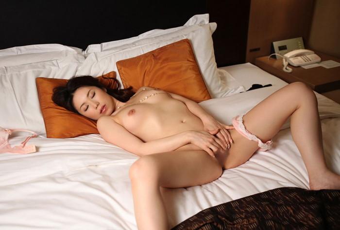 【美熟女エロ画像】年を重ねて磨かれた若い娘にはない妖艶な魅力!