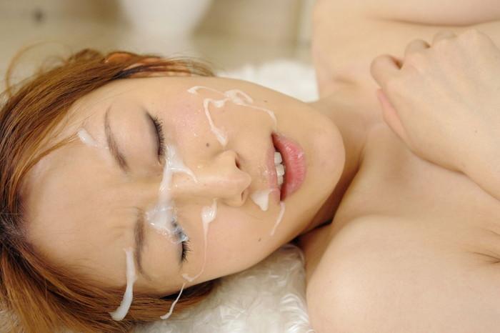 【顔射エロ画像】大好きな女の子の顔を自分の精子で汚すという征服感!