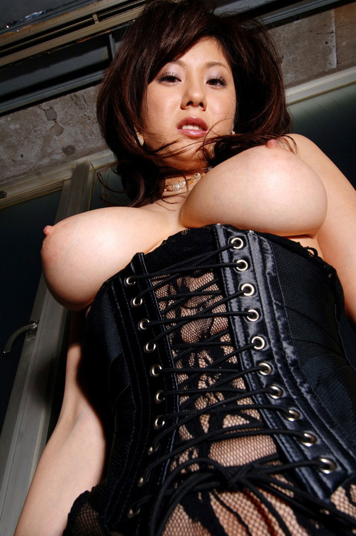 【ボンテージエロ画像】M男が歓喜する女の子のファッションといえばコレかな?ww 01
