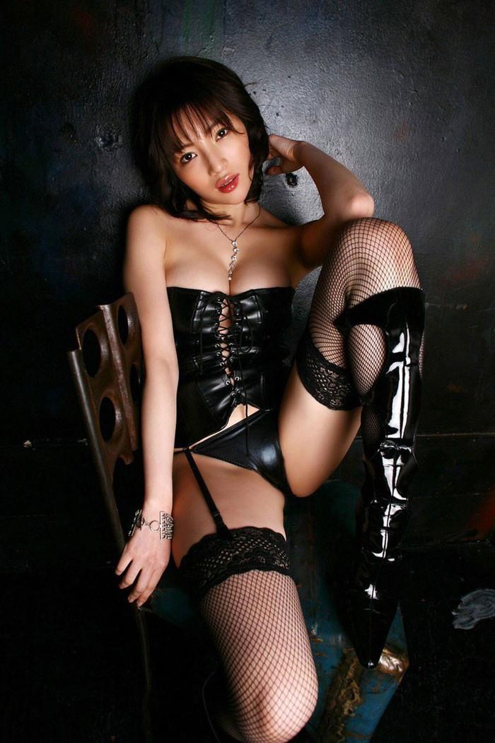 【ボンテージエロ画像】M男が歓喜する女の子のファッションといえばコレかな?ww 05