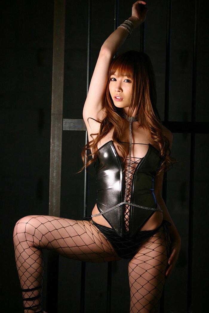 【ボンテージエロ画像】M男が歓喜する女の子のファッションといえばコレかな?ww 10