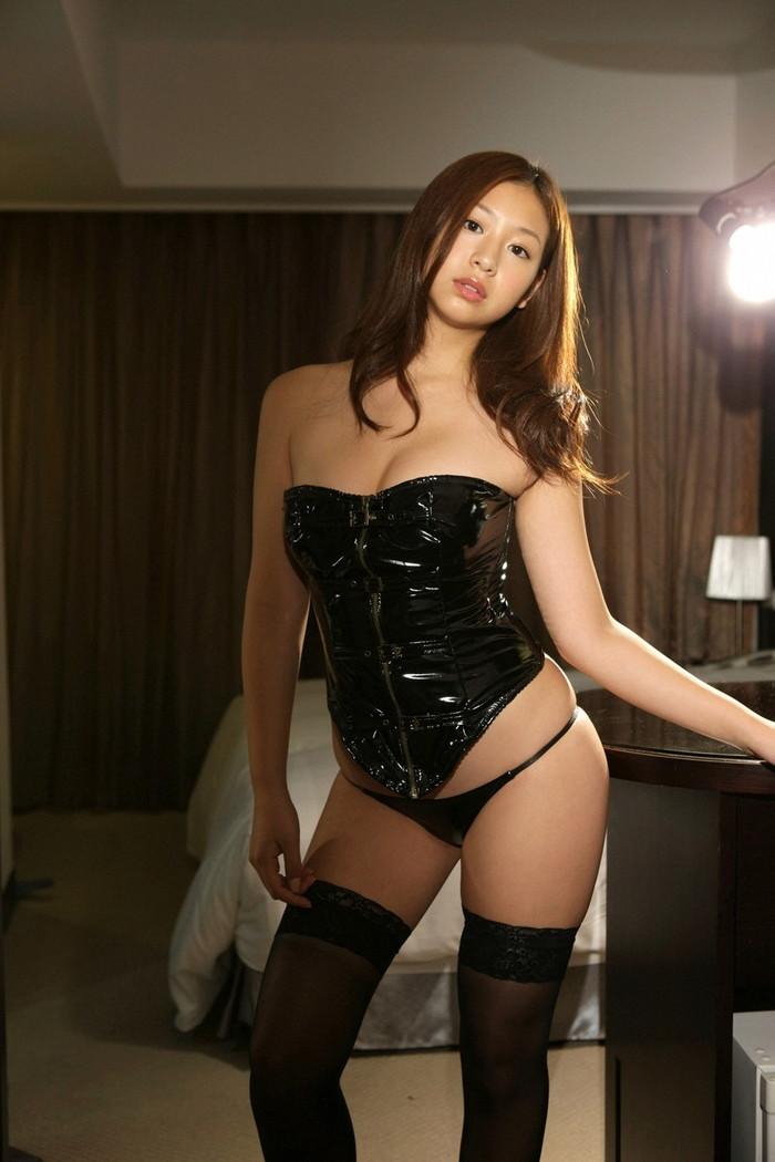 【ボンテージエロ画像】M男が歓喜する女の子のファッションといえばコレかな?ww 14