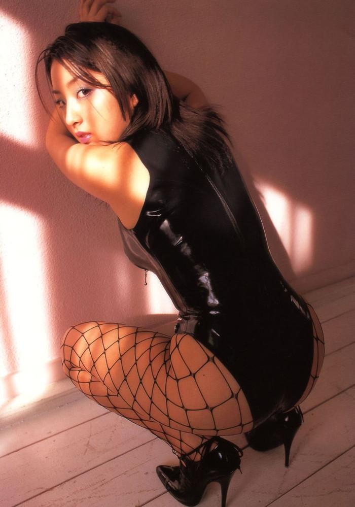【ボンテージエロ画像】M男が歓喜する女の子のファッションといえばコレかな?ww 18