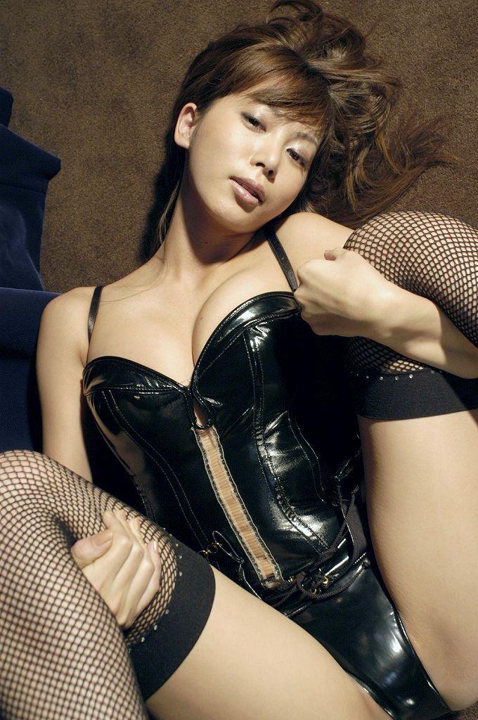 【ボンテージエロ画像】M男が歓喜する女の子のファッションといえばコレかな?ww 22