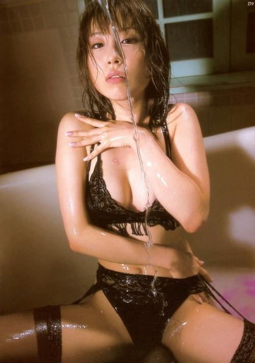 【ローションエロ画像】ヌルヌルのローションでコーティングされた女体ってエロいだろ? 01