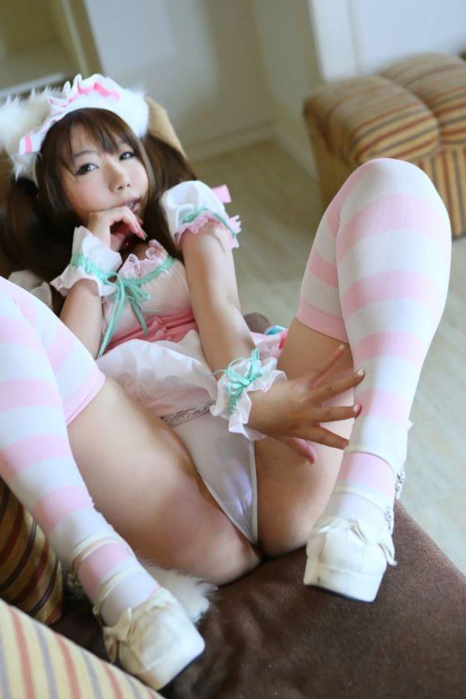 【マンスジエロ画像】女の子の股間に浮き彫りにされた性器の形が卑猥だなwww 15