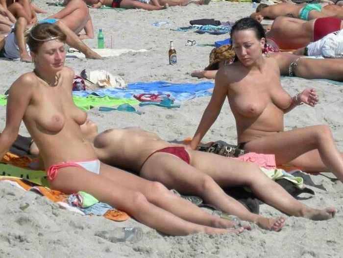 【ヌーディストビーチエロ画像】あっちもこっちも裸祭り!?ヌーディストビーチ最高! 17