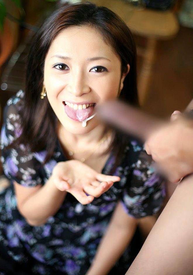 【口内発射エロ画像】女の子の口内へそのままザーメンを注ぎこんだ結果w 24