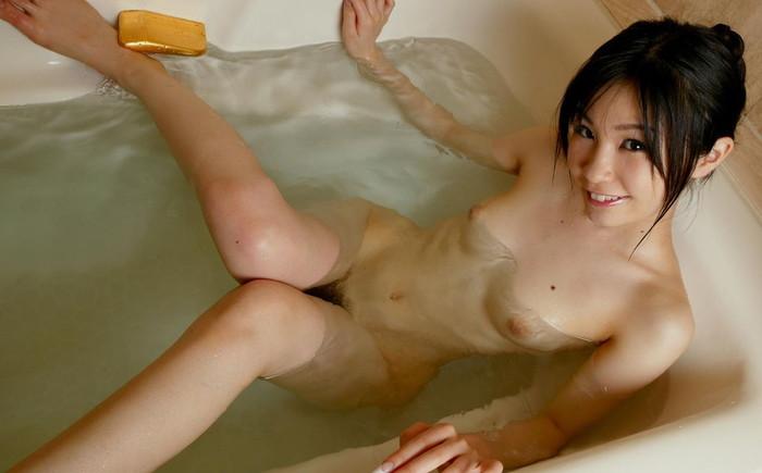 【バスルームエロ画像】可愛い女の子たちのバスルームショット集めたったwww 26