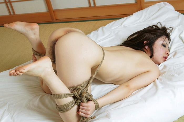 【SM緊縛エロ画像】自由を奪われた女って男のイタズラ心を刺激するよな!? 11