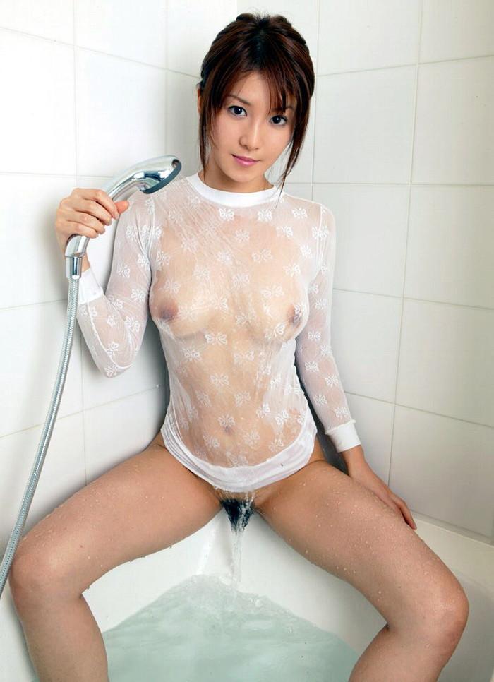 【濡れ透けエロ画像】濡れて透けた着衣って言うまでもないけどエロいだろw 03