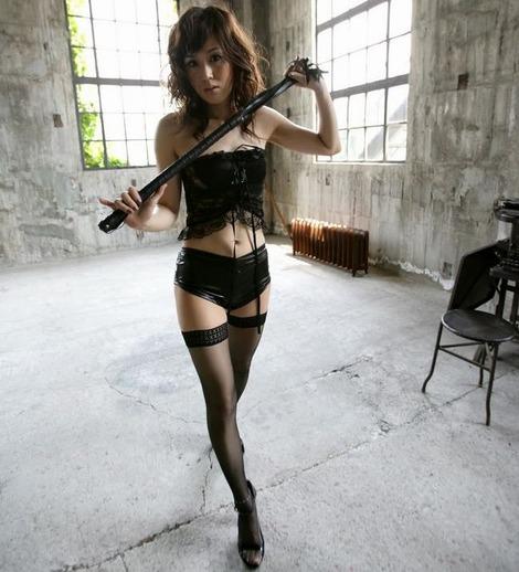 【ボンテージエロ画像】SMクラブでは女王様ファッションとしてお約束のコスチューム! 01