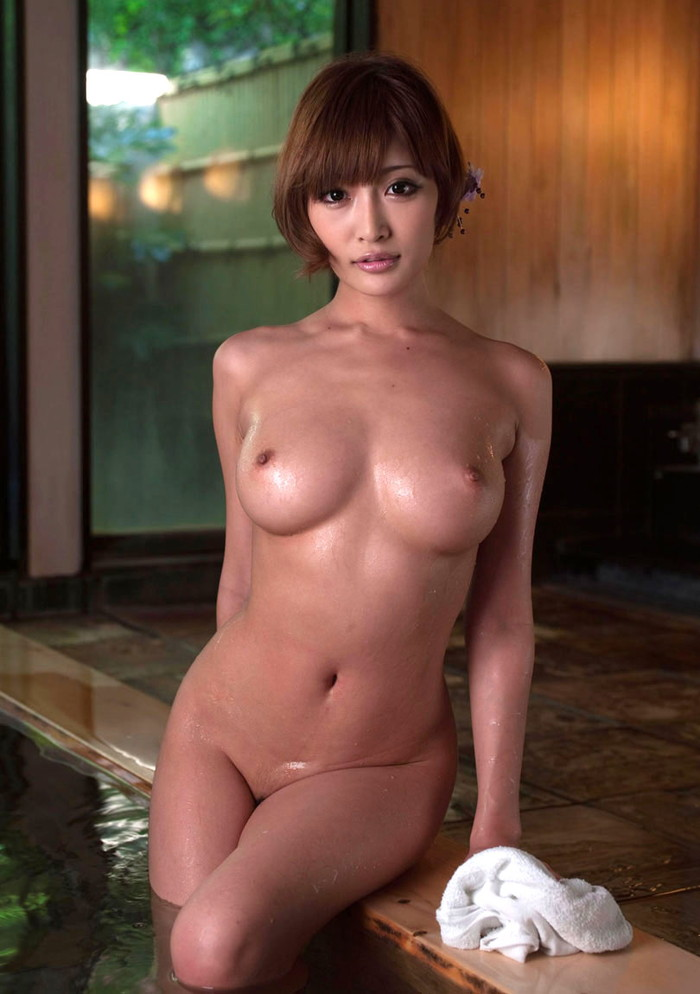 【入浴エロ画像】女の子が全裸で入浴している姿にフル勃起不可避! 02