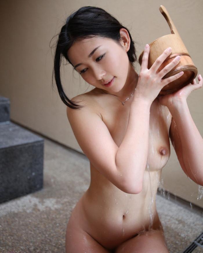 【入浴エロ画像】女の子が全裸で入浴している姿にフル勃起不可避! 21