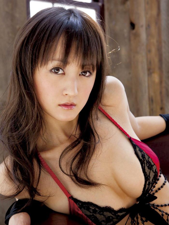 【美熟女エロ画像】この雰囲気!年とともに女に磨きをかける美熟女の艶姿! 12