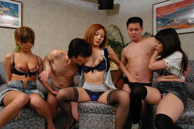【乱交エロ画像】男女入り乱れての乱交プレイがグゥ抜ける!wwww 16
