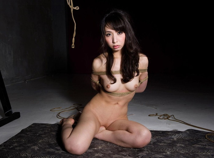 【SM緊縛エロ画像】自由を奪われた女にしたい放題が好きなやつよって来い! 25