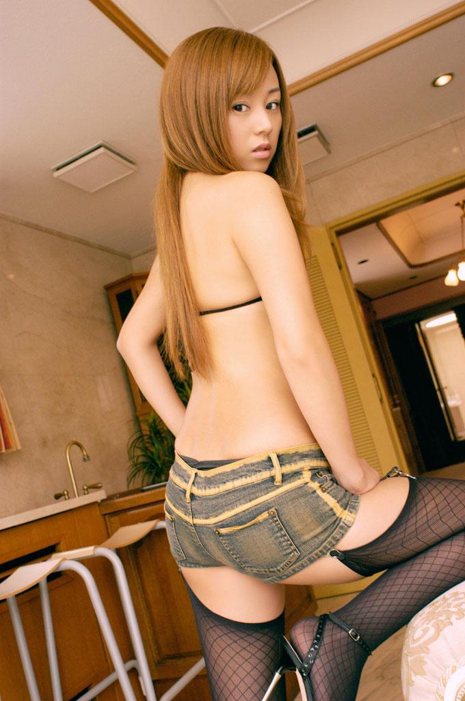 【ホットパンツエロ画像】注目度120%!男の視線を熱く感じるホットパンツ! 03