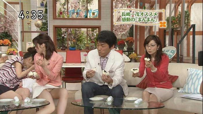 【放送事故エロ画像】予期せぬハプニング!?放送事故と呼ばれるエロ画像 11