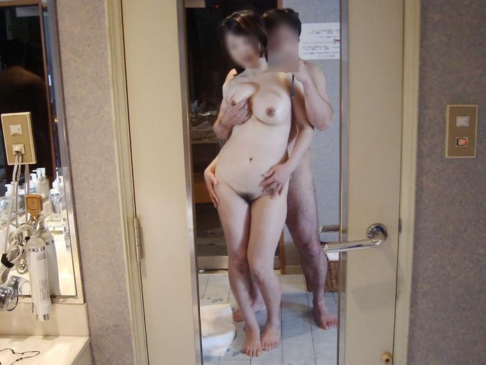 【鏡撮りエロ画像】カップルたちが自分たちのセックスを鏡を使って撮影! 19