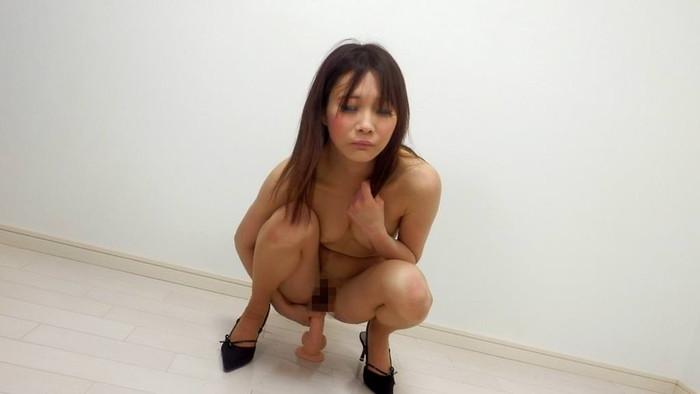 【ディルドオナニーエロ画像】ディルドを突っ込んでオナニーする女エロ杉www 03