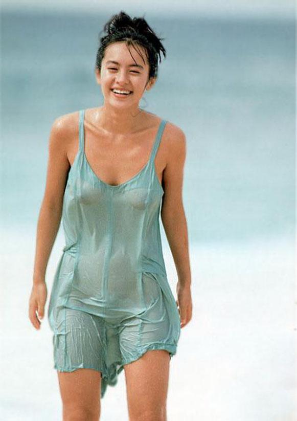 【濡れ透けエロ画像】濡れた着衣は透けやすいっていうから検証してみた結果www 06