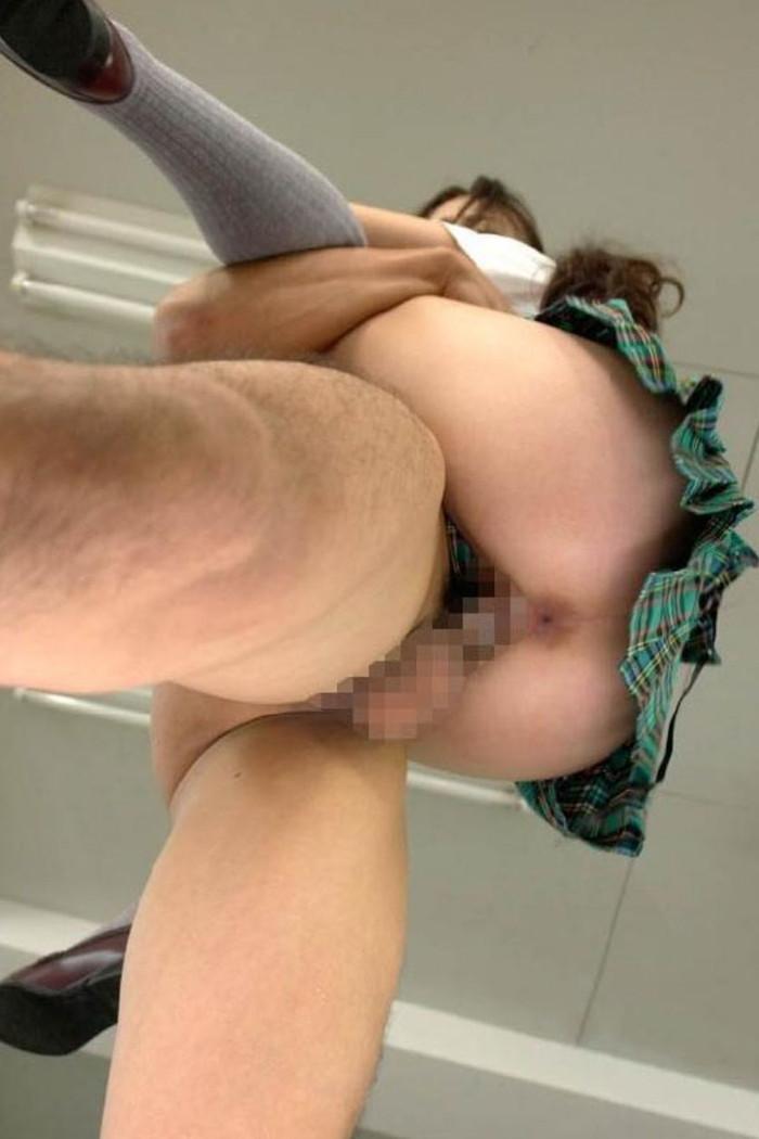 【駅弁ファックエロ画像】この体位、体力勝負!駅弁という体位でセックスする男女! 14