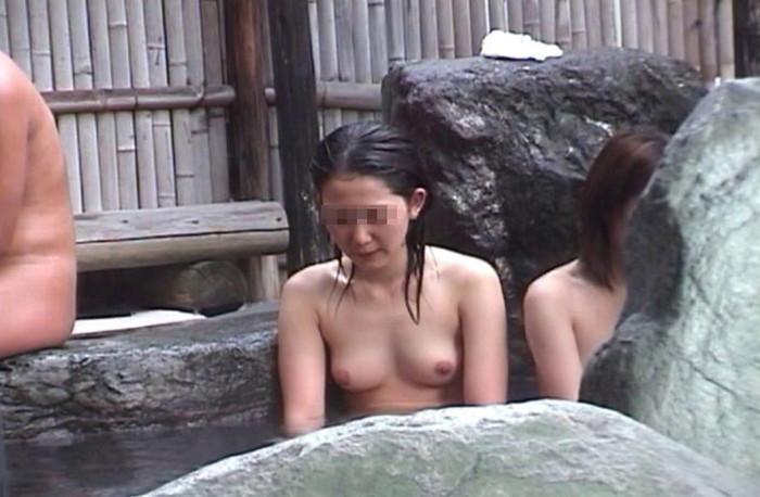 【女湯エロ画像】男子たるもの、一度は女湯覗いてみたい!そう思うだろ?w 18