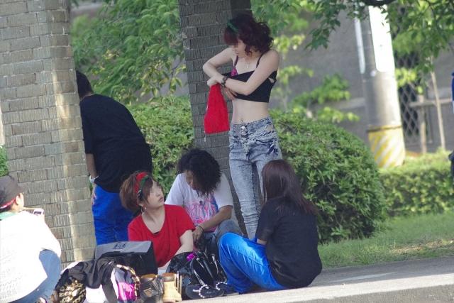 【着替え盗撮】生着替え中を盗撮されてしまった素人娘たちの画像集めたったw 08