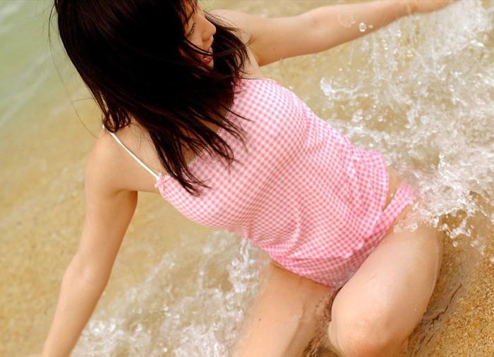 【胸ポチエロ画像】この女、ノーブラだな!?ってハッキリと分かる画像がコチラww 22