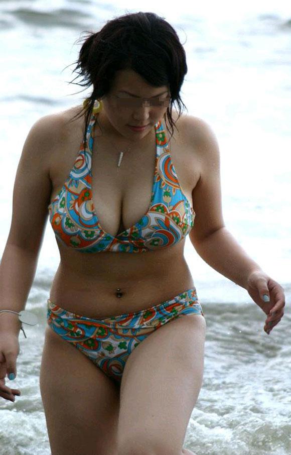【素人水着エロ画像】素人娘たちの生々しい水着姿に勃起不可避!www 14