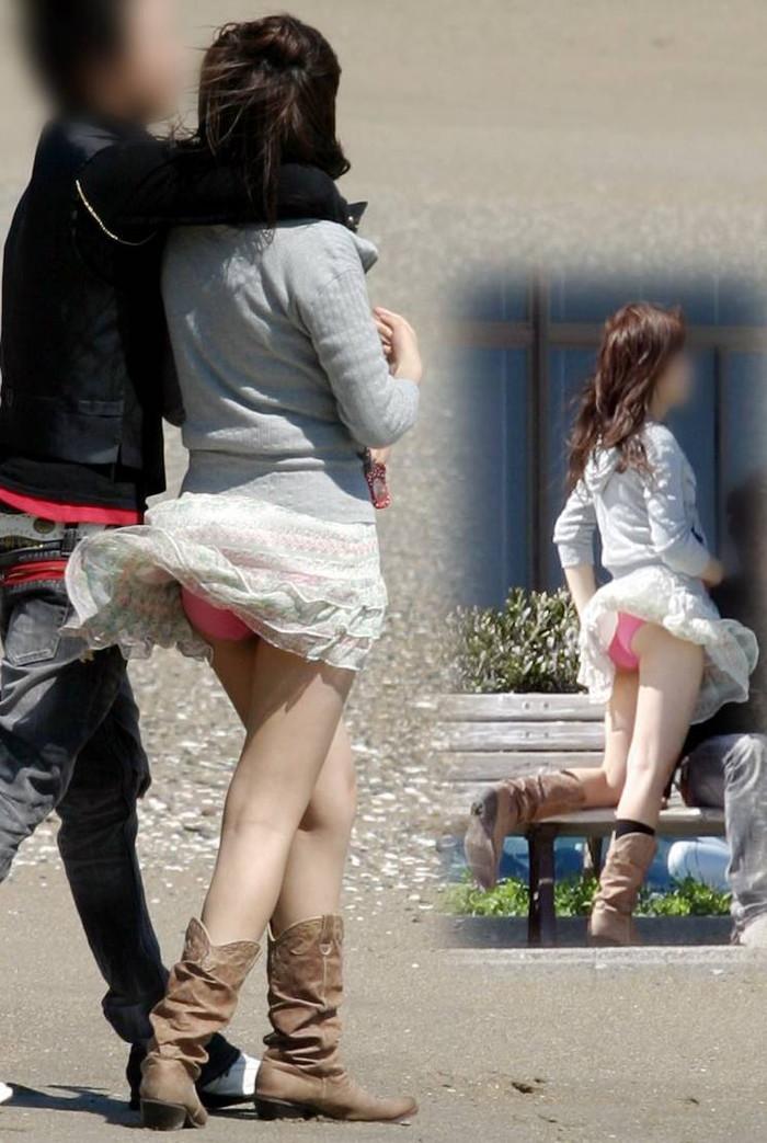 【風パンチラエロ画像】これぞ神風!?ふわっと舞い上がったスカートの中身を狙い撃ち! 17