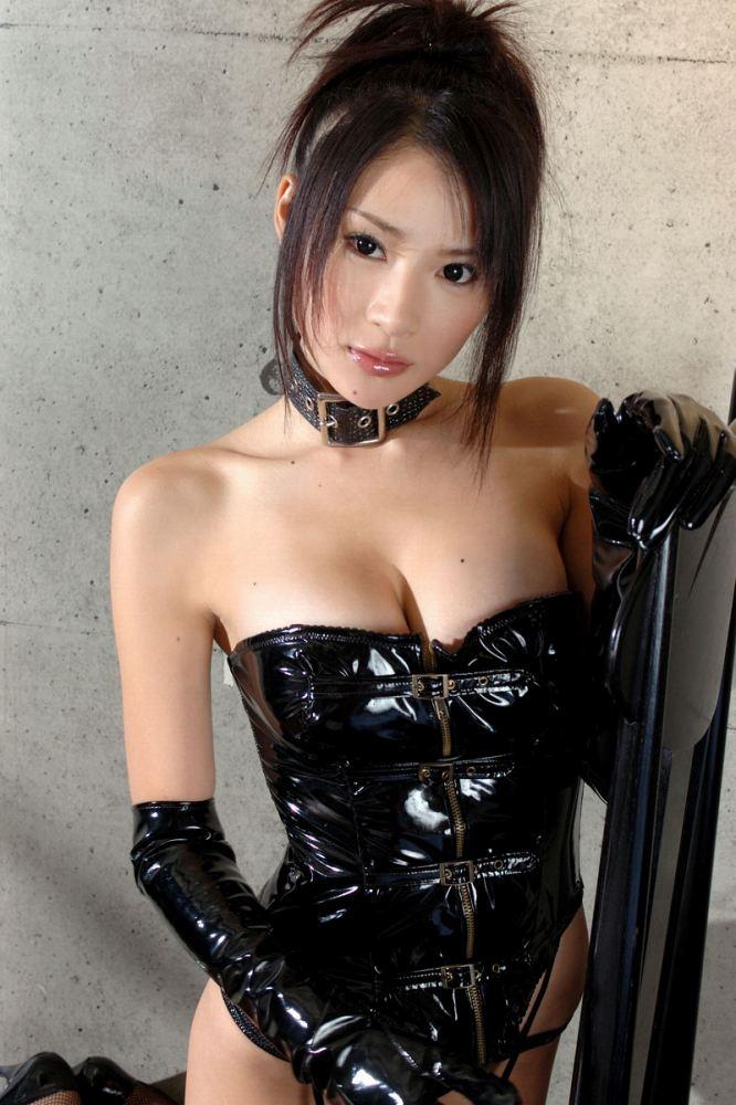 【ボンテージエロ画像】クールandセクシーなボンテージに身を包んだ女の子! 07