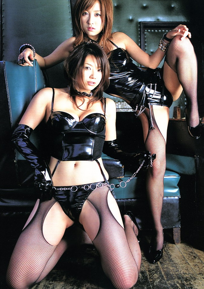 【ボンテージエロ画像】クールandセクシーなボンテージに身を包んだ女の子! 11