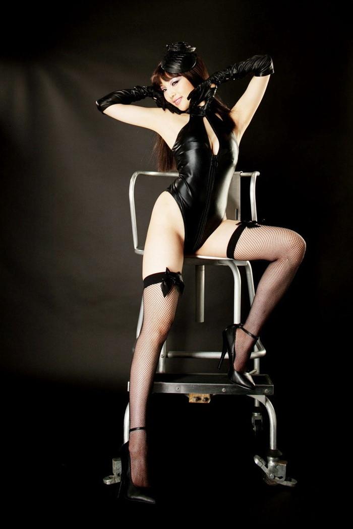 【ボンテージエロ画像】クールandセクシーなボンテージに身を包んだ女の子! 12