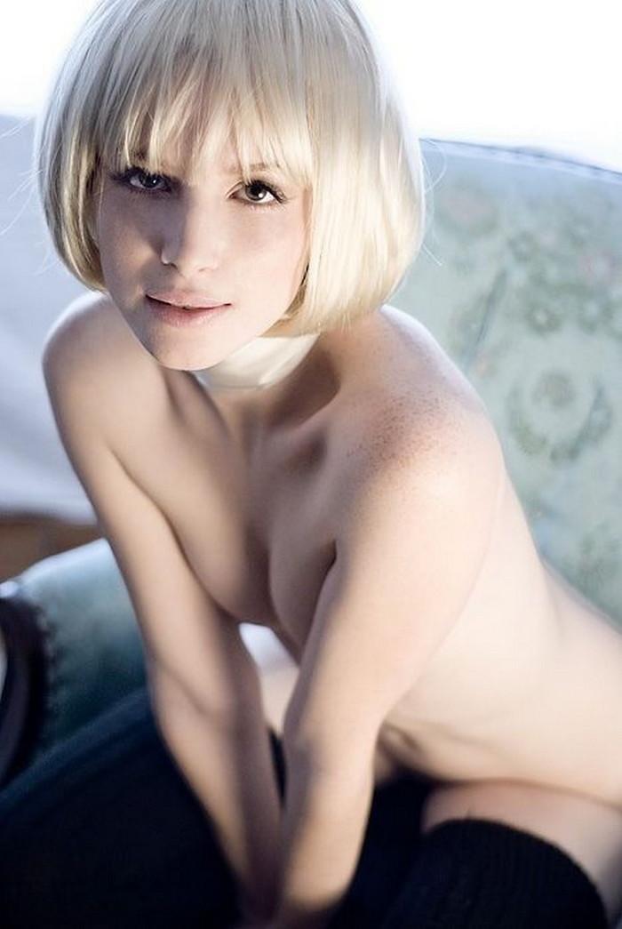 【白人ヌードエロ画像】日本人とは比べようも無い抜群のプロポーションにフル勃起! 22