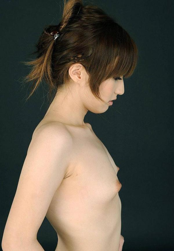【ちっぱいエロ画像】巨乳じゃないけど、ちっぱいにはちっぱいの良さがある! 18