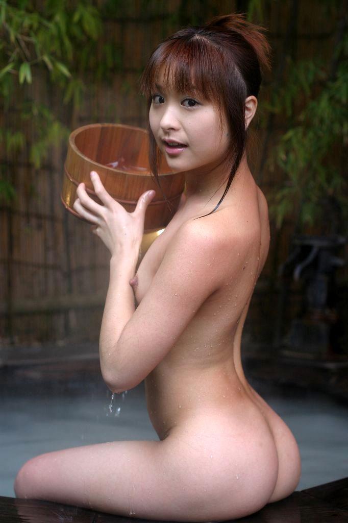 【入浴エロ画像】男子が立ち入ることを許されない女風呂!一度は覗いてみたいw 10