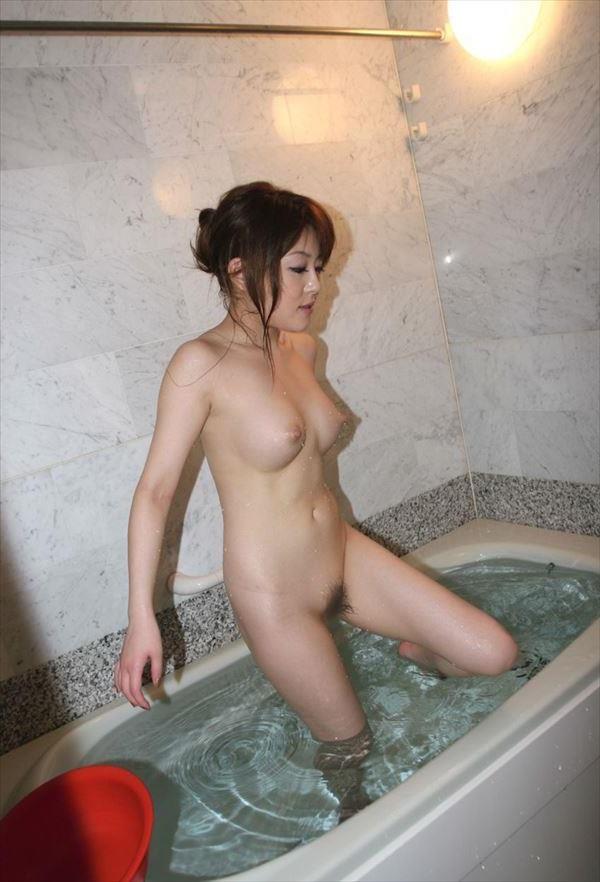 【入浴エロ画像】男子が立ち入ることを許されない女風呂!一度は覗いてみたいw 26