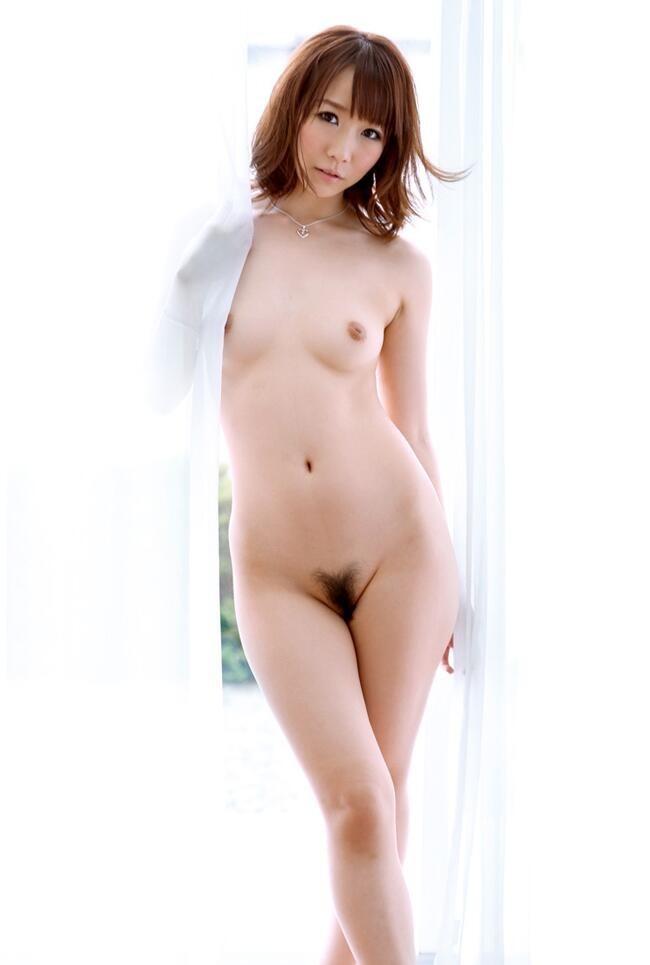 【美乳エロ画像】女性の象徴たるおっぱいはやっぱり美乳に限るだろ!?w 25