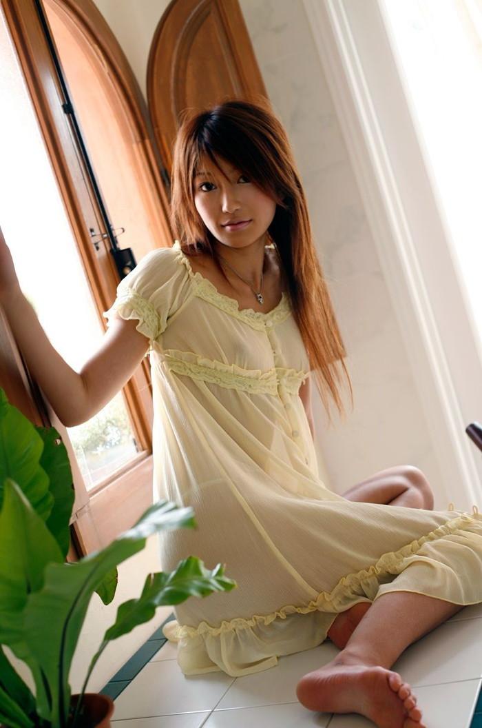 【シースルーエロ画像】スッケスケのシースルーの着衣!これって全裸と大差ないんじゃ?w 24