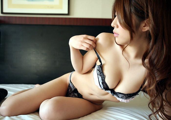【エロ下着エロ画像】セクシー過ぎてフル勃起!エロい下着を見につけた女の子特集!