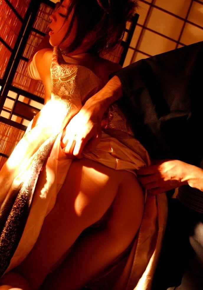 【和服エロ画像】はだけた着物の女の子って物凄くエロい感じがするんだがwww 04